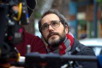 """Lucas Santa Ana: """"Me gusta jugar con el diálogo entre la obra y las emociones de lxs espectadorxs"""""""